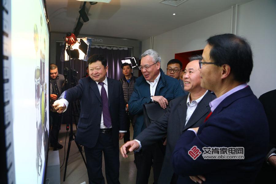 围棋还是马卡龙 长虹CHiQ激光电视