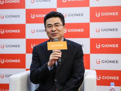 金立刘立荣:全面屏势不可挡 明年将行业大战
