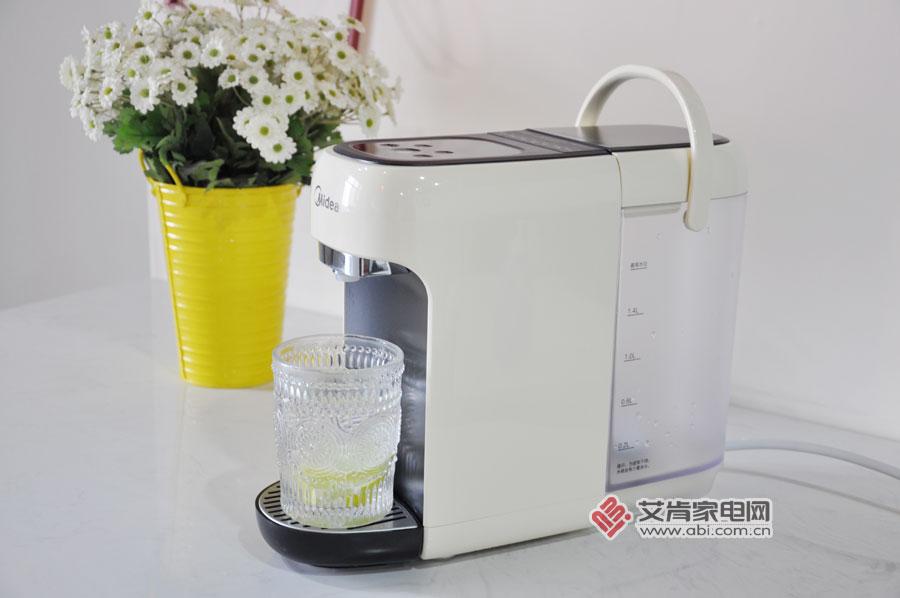 """除了""""多喝热水"""",还需要一款精准控温的Mini-drink台式饮水机!"""
