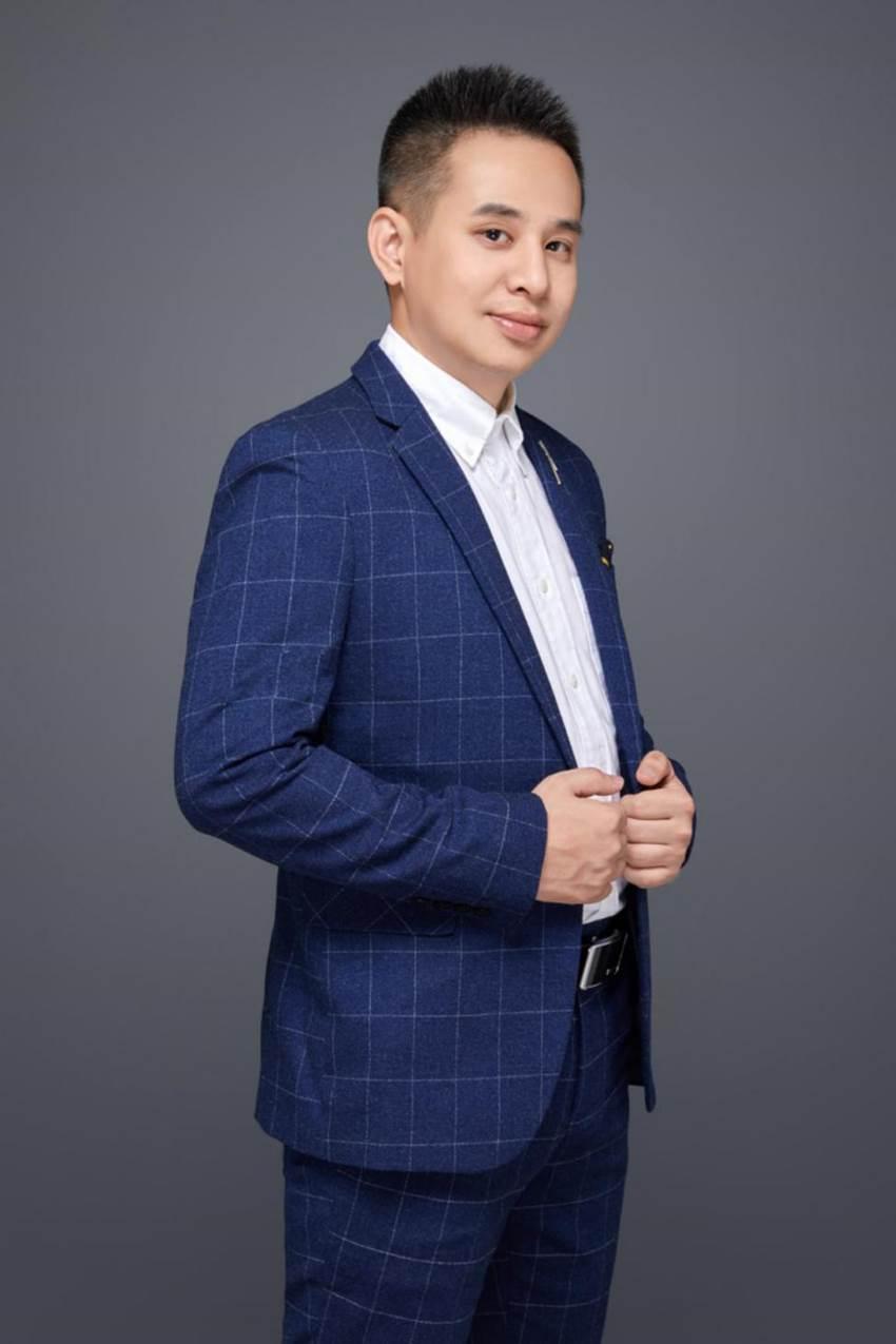 """扫地机老兵――由利CEO钟搏的""""中场战事"""""""
