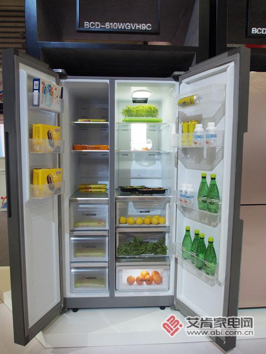 新飞智能冰箱首秀AWE 有点酷炫啊!