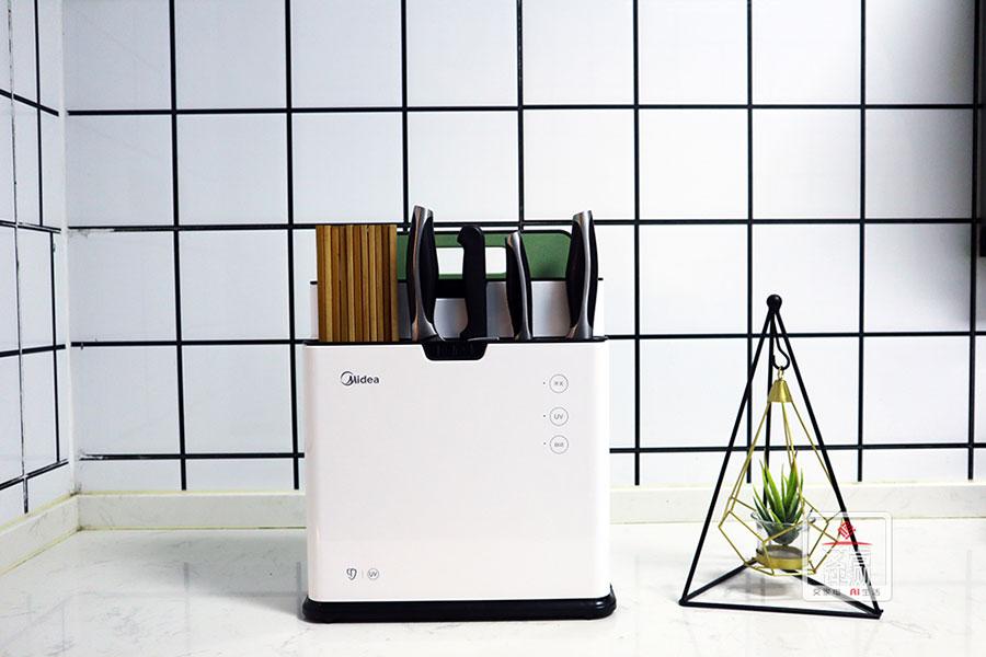 厨房消毒杀菌小能手,美的刀筷砧板除菌机新品上市